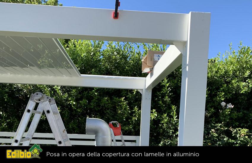 6_-Posa-in-opera-della-copertura-con-lamelle-in-alluminio